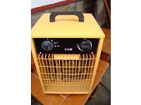KINGAVON 3000W ELECTRIC HEATER WITH FAN AS NEW ONLY £25 FOR QUICK SALE