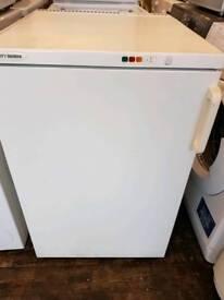 T bendix freezer under work top nice n clean free delivery