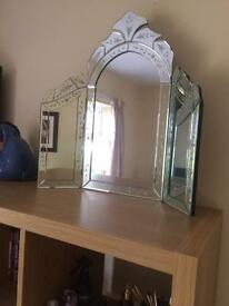 Beautiful dressing table mirror £20 ono