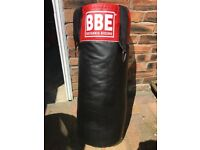 BBE Britannia Boxing Punch Bag (3ft, red & black) perfect condition including gloves