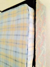Clean single divan bed excellent condition can also deliver to your address