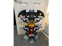 Fisher-Price Imaginext DC Super Friend Transforming Batcave