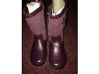 BNWT girls boots, size 11