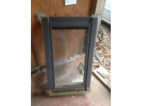 Velux roof window with flashing CO4