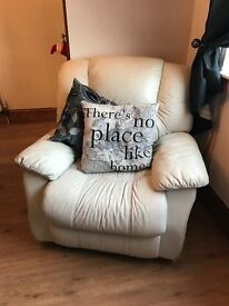 Sofa and 2 chairs - reclining - good condition