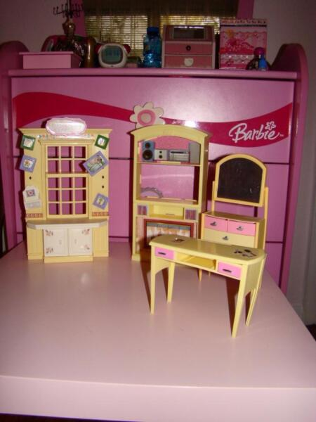 barbie m bel wohnzimmer tolle set weihnachtsgeschenk in. Black Bedroom Furniture Sets. Home Design Ideas