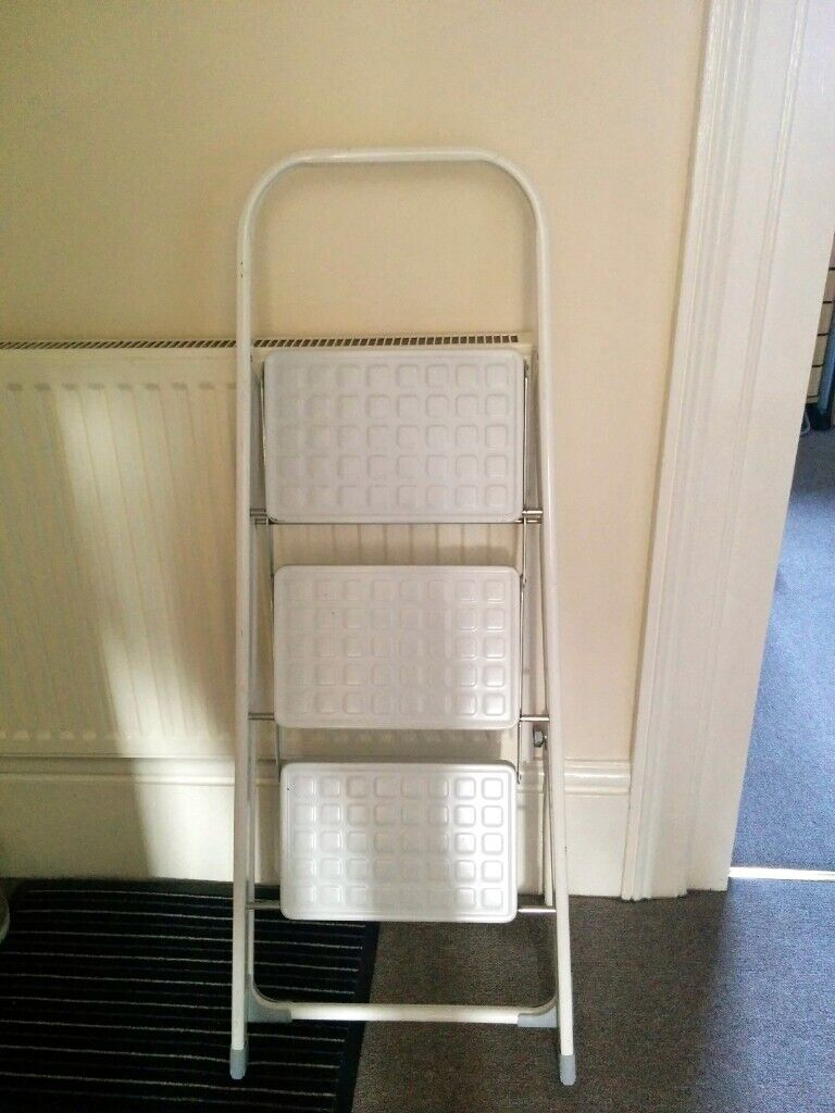 Marvelous Sturdy Stable 3 Step White Metal Ladder Carry Up To 150Kg In Margate Kent Gumtree Gmtry Best Dining Table And Chair Ideas Images Gmtryco