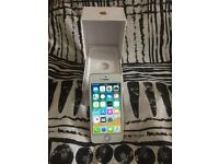 Gold iPhone se 16gb perfect condition