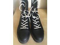 Mens black boots from Bershka, only worn twice!