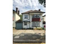 EXCELLENT 3 BEDROOM DETACHED HOUSE WITH PARKING AVAILABLE NOW, CHEYNE WALK, HENDON, NW4 3QR