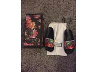 Gucci slides brand new size 4