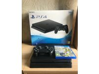 Play Station 4 8months old with box perfect condition