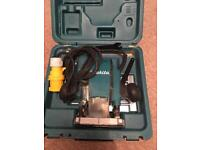 Makita 110v 1/4 inch plunge router