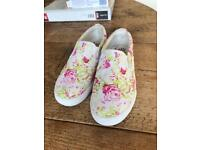 Lelly kelly shoes size 2.5