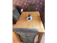 Extending Solid Oak Dining Table and Chairs, excellent condition