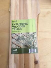 Wooden Garden Trellis, Expanding