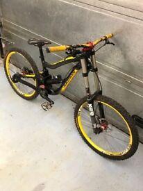 nukeproof scalp size medium downhill bike norco specialized giant trek commencal yt