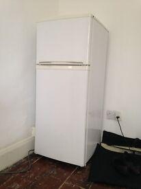 Fridge Freezer Medium size like brand new !!