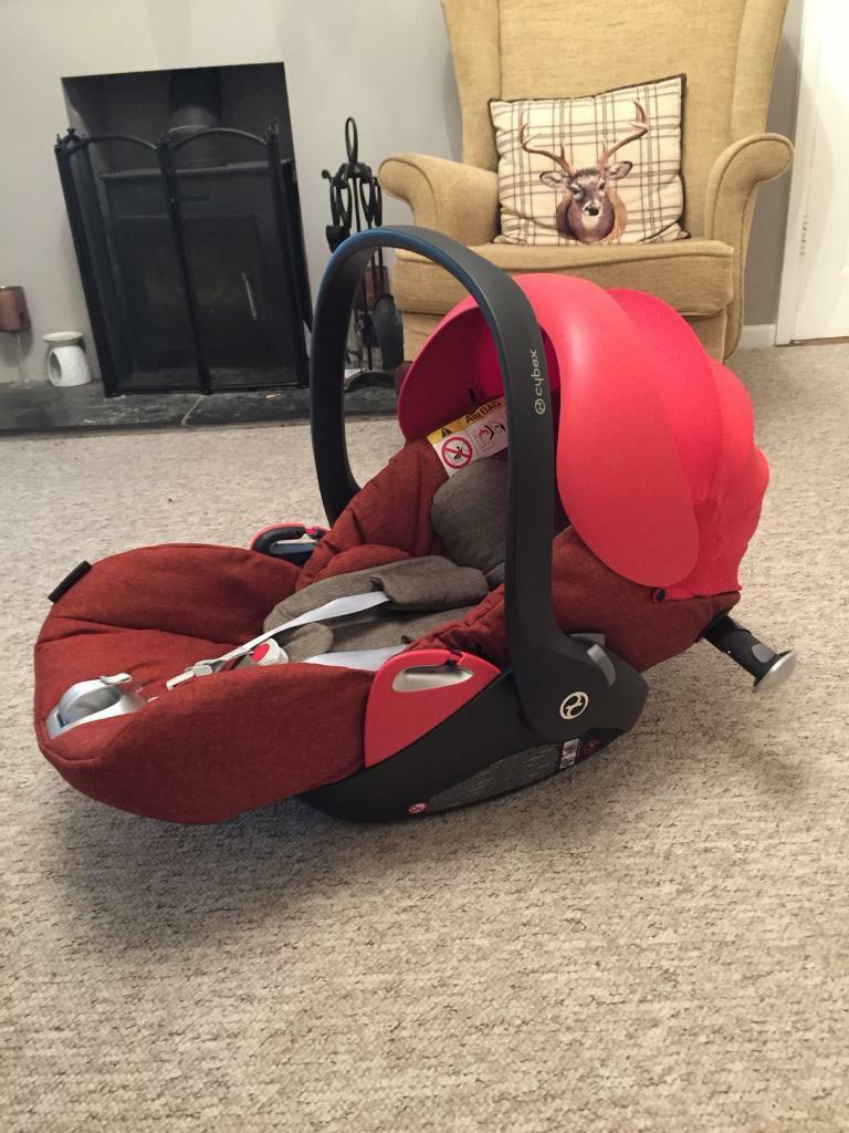 cybex cloud q plus with lie flat car seat includes isofix base in new milton hampshire gumtree. Black Bedroom Furniture Sets. Home Design Ideas