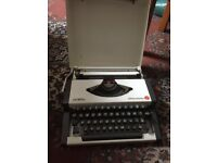 Olympia Typewriter - EXCELENT CONDITION