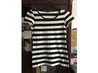 Red herring black white tshirt 11-12 years