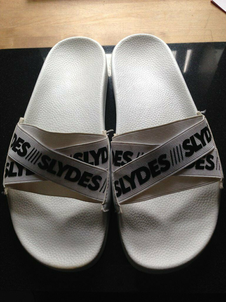 de3e43694151 MENS PAIR SLIDERS COLOUR WHITE SIZE 8 MAKE SLYDERS PRE ...