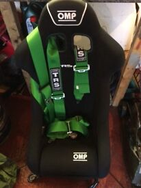 Omp bucket seat and harness
