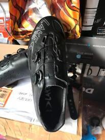 Lake carbon road shoes size 10