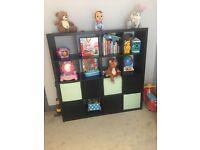 Dark brown/black storage unit/bookcase