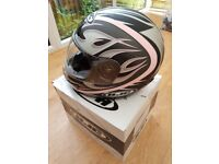 HJC Ladies Motor Cycle Helmet, Size: M58, As New Condition. Very Smart.