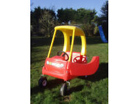 Little Tikes Cozy Coupe ride on car, indoor or outdoor use, very good condition