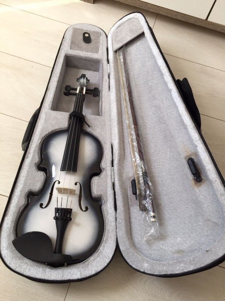 1/8 size violin+case+bow | in Seven Sisters, London | Gumtree