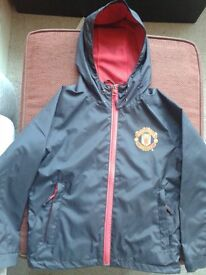 Manchester United training jacket (age 6-9years)
