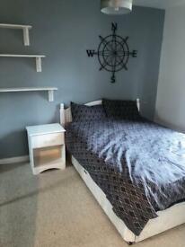 Newly Refurbished 2 Bedroom 2nd Floor Flat, Millside Terrace, Peterculter AB14, immediate entry