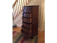 Stunning Antique Mahogany Chest on chest tallboy with 6 Drawers. Very Good Condition