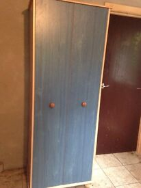 Wardrobe pine and blue