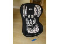 Baby Weaver Car Seat Black/White Suitable for babies upto 18kg. First Class contition