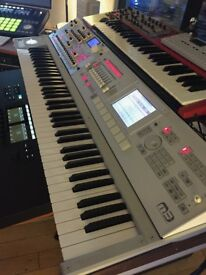 Korg M3 and Radius synthesiser workstation combination