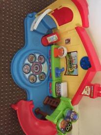 Little people play set with 2 people and 2 chairs plays music and lights up