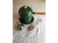 Fondue set in green