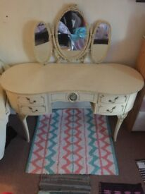 dressing table . Very good condition