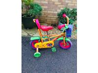 Child's cycle with stabilisers