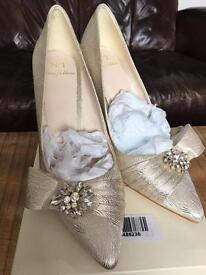 Gold satin jewel embellished heels 6/39