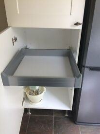 PULL OUT DRAWER FOR 600MM CUPBOARD/LARDER