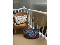 £15 o.n.o. Selection of beautiful furnishings: 2x cushion and blanket £15