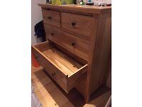 Excellent Condition: Oak 5 drawer dresser