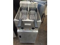 VALENTINE FRYER TWIN TANK ELECTRIC CHIPS FRYER USED COMMERCIAL FREE STANDING TURBO 11KW