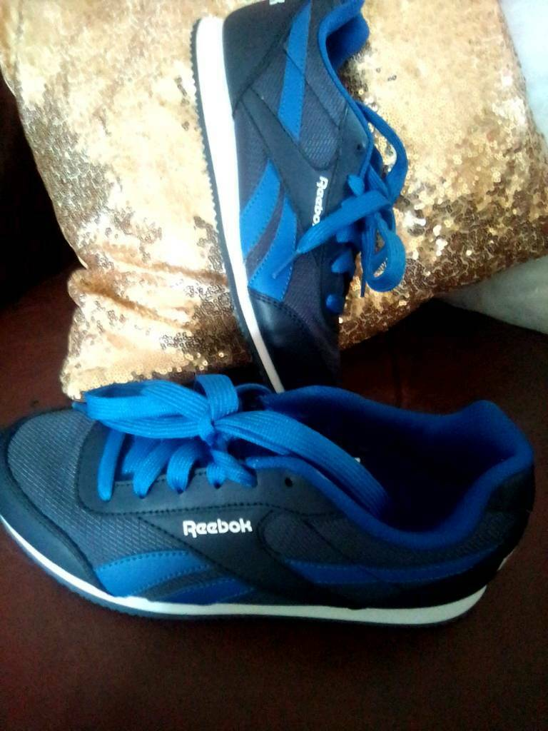 Older boys Reebok trainers size v4  d510555c1