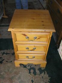 MODERN CHUNKY SOLID PINE BEDSIDE CABINET. 3 DEEP DRAWERS. ORNATE FASCIA. VIEWING/DELIVERY AVAILABLE