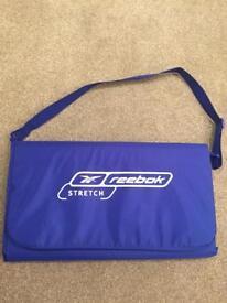 Reebok padded exercise mat - folding with handle!
